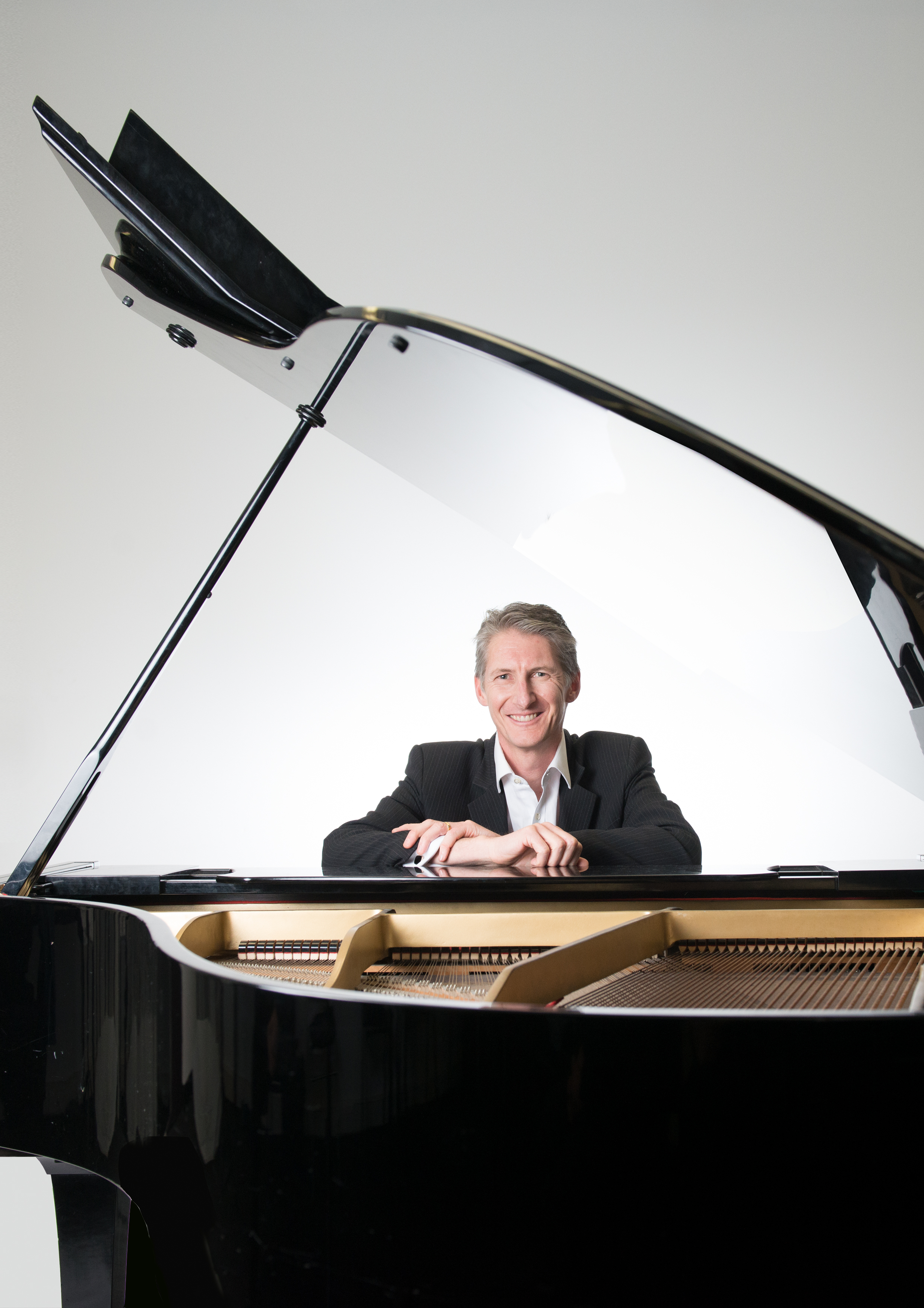 Craig Schneider performs The Piano Men at the Cardinia Cultural Centre